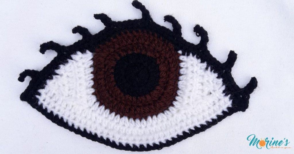 Crochet eye with lashes
