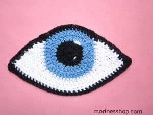 crochet eye applique pattern with detail